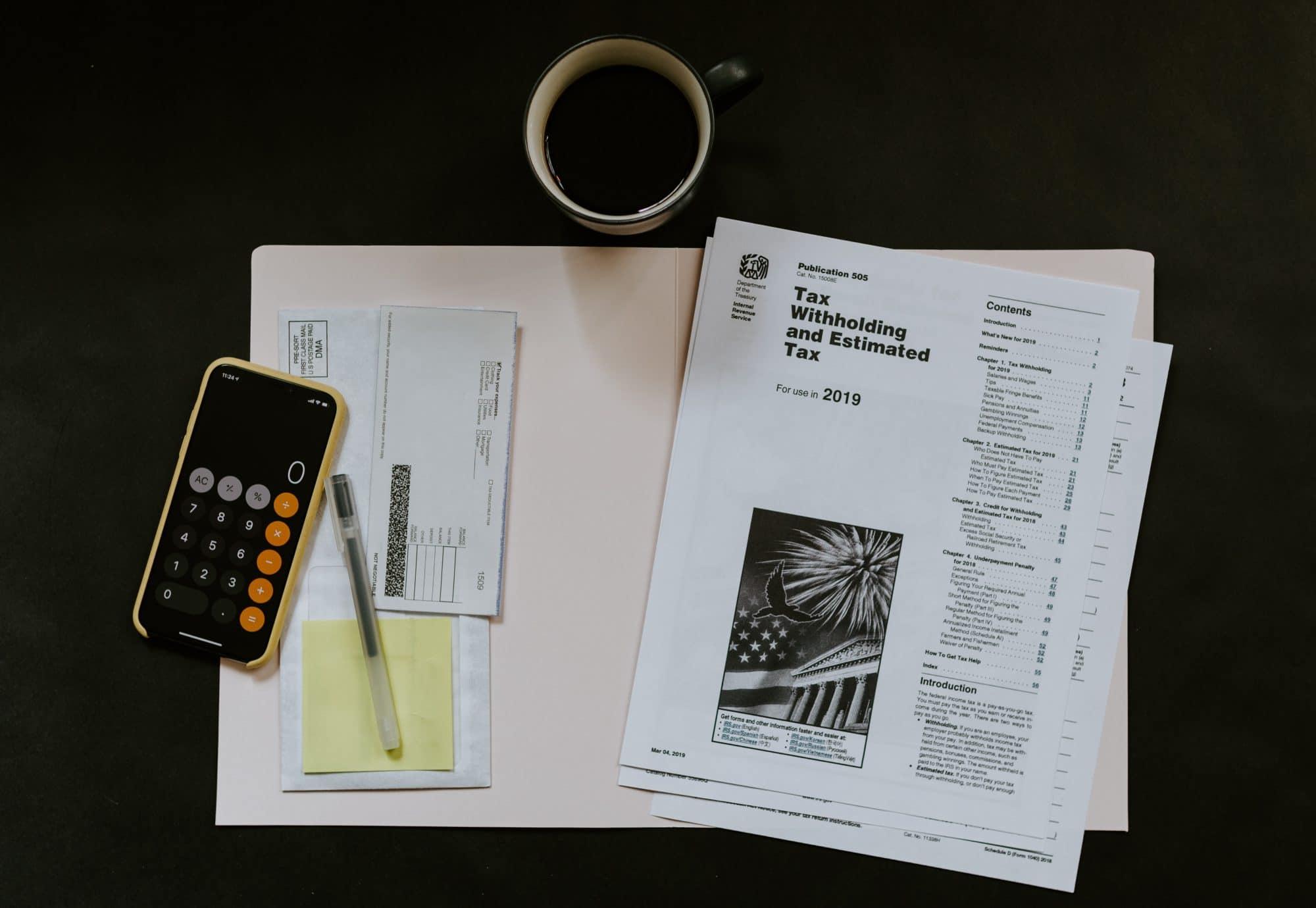 Regnskaps- og skattepapirer